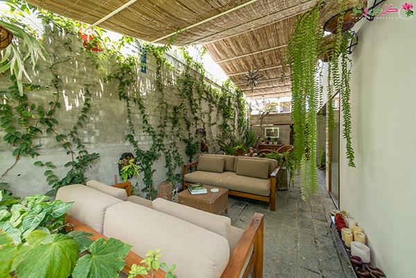 طراحی-بالکن-با-گل-و-گیاه
