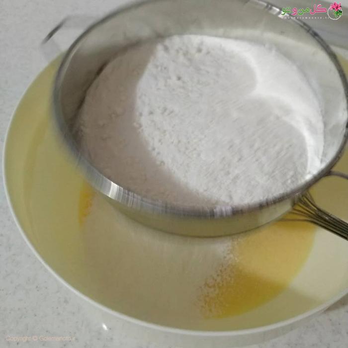 مراحل تهیه کیک پیتزایی