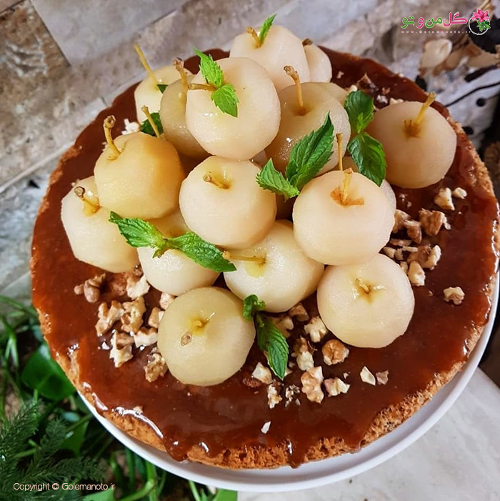 تزیین کیک سیب و دارچین