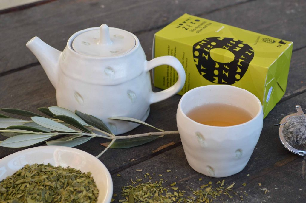 طرز تهیه چای برگ زیتون در خانه
