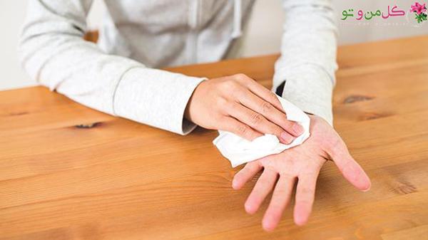 روش های درمان عرق کردن کف دست