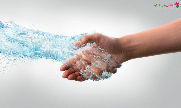 دلایل عرق کف دست و درمان آن