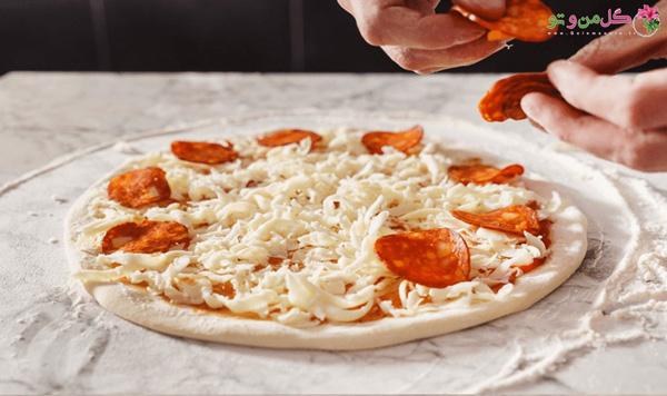 مواد روی پیتزا