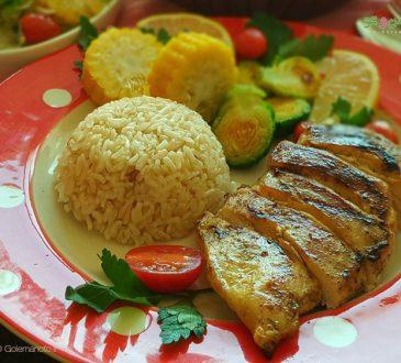 طرز تهیه استیک مرغ با برنج قهوه ای