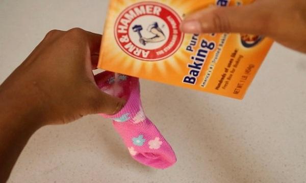 17 3 از بین بردن بوی بد کفش به طور طبیعی