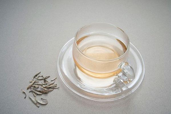 20 با خواص چای سفید آشنا شوید