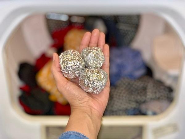 حذف جرقه استاتیک در لباسشویی