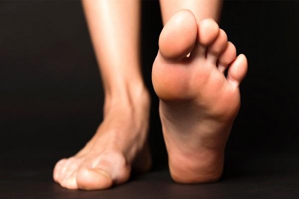 نحوه نرم و لطیف کردن پاها با استفاده از آسپرین