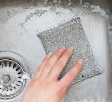 چند راه شگفت انگیز برای درخشان و تمیز کردن سینک آشپزخانه