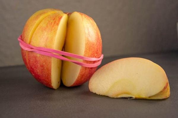 سیب را از قهوه ای شدن حفظ کنید.