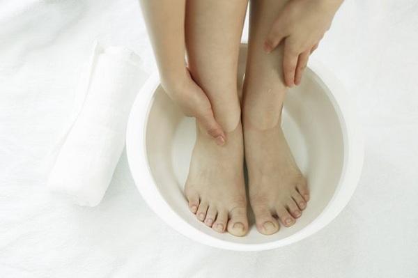 نرم و لطیف کردن پاها