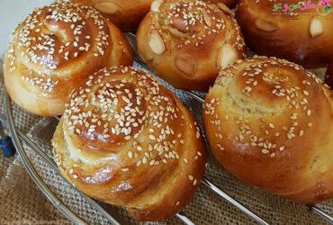 طرز تهیه نان مغزدار پسته ای