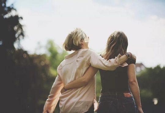 دوست واقعی کیست و چه خصوصیاتی دارد؟