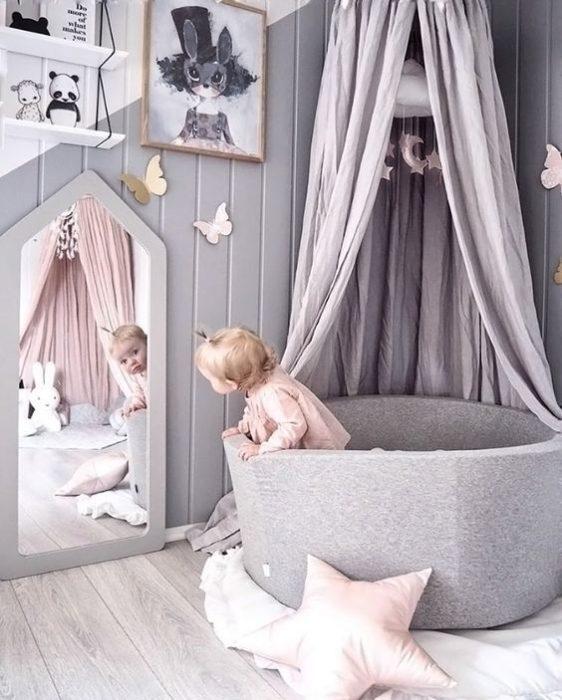 اتاق نوزاد کودک با تم پروانه