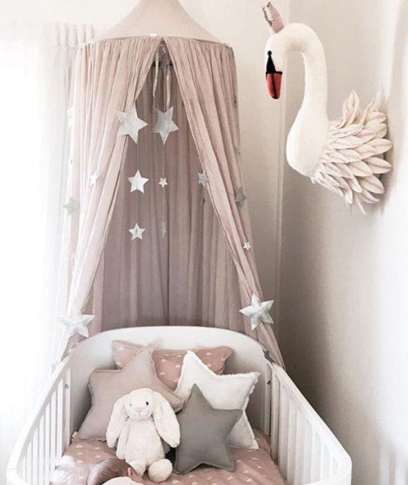 اتاق نوزاد دختر با تم قو
