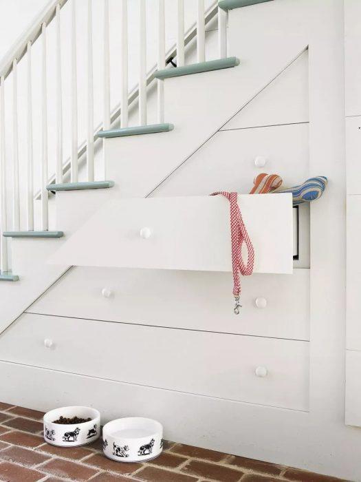 کشو بندی کردن زیر پله