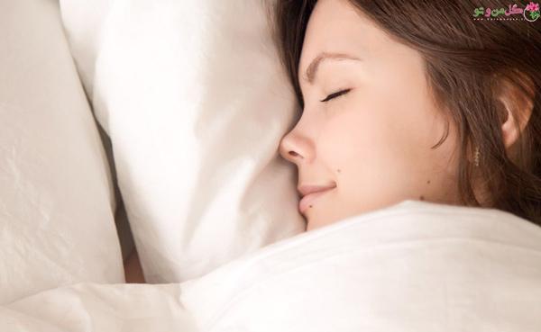 نخوابیدن با آرایش