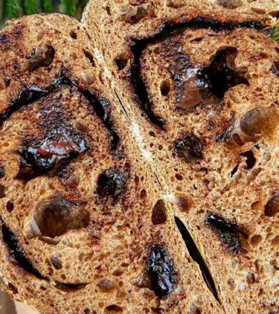 طرز تهیه نان خمیر ترش شکلاتی